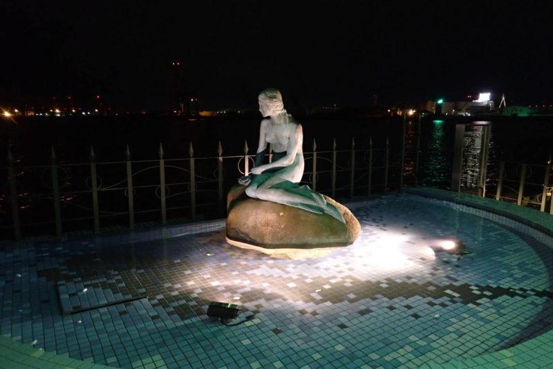 海遊館イルミネーション マーメイド像