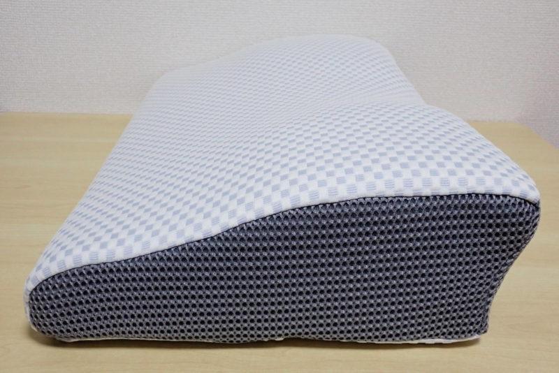 ニトリ 横向き寝がラクな枕の形状